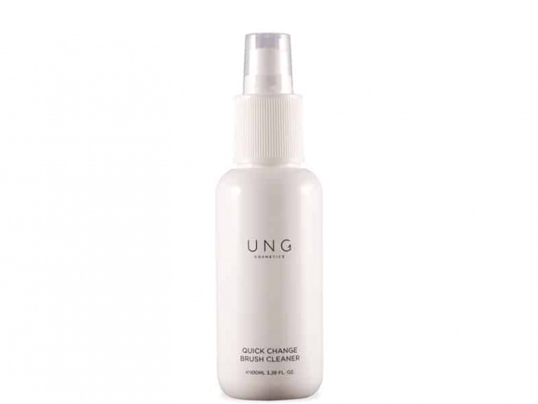 UNG Quick Change Brush Cleanser